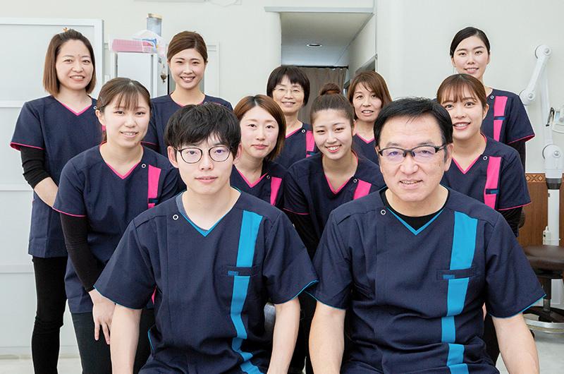 笑顔あふれる活気のある歯科医院